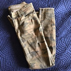 GAP muted camo jeans